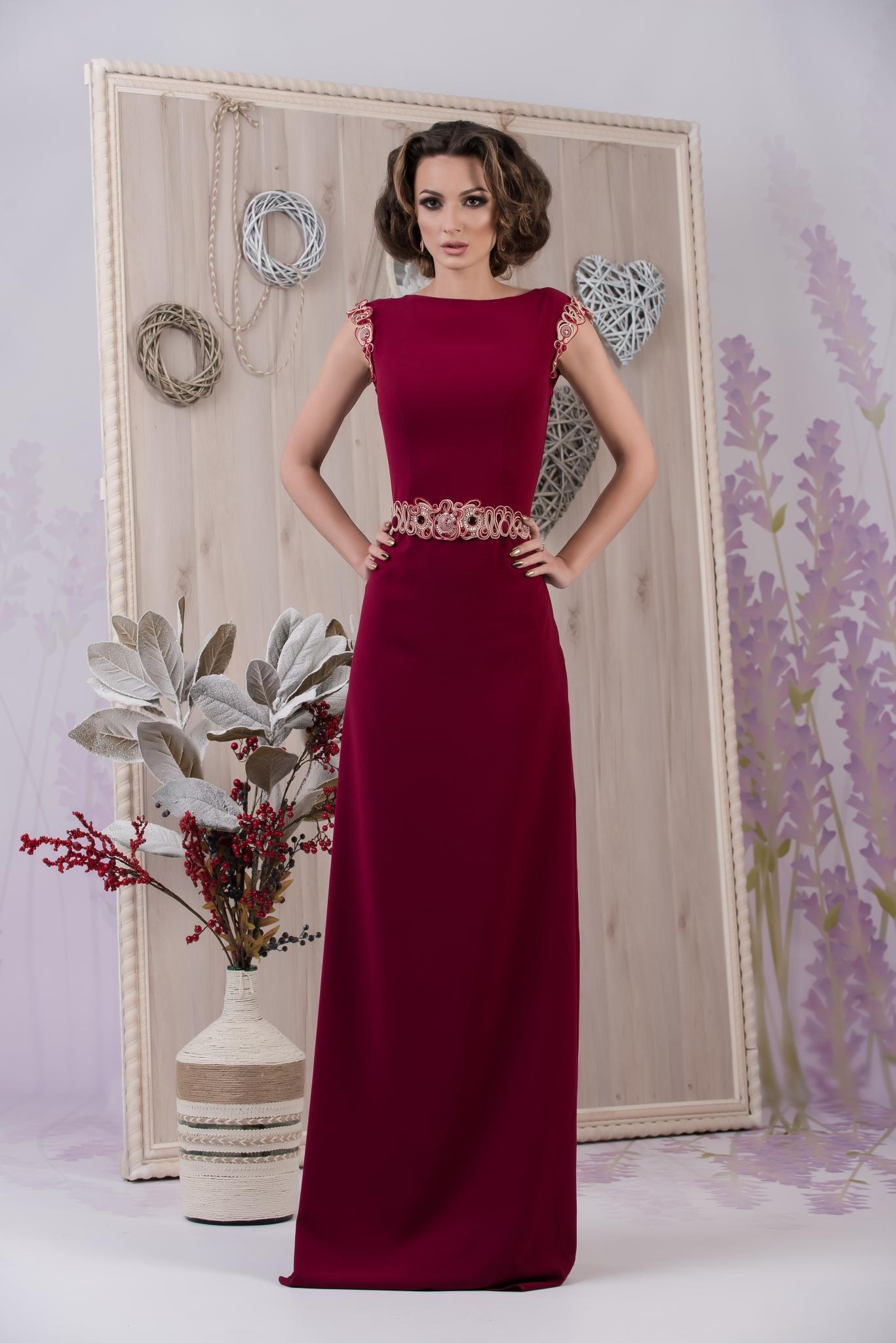 Дизайн красных платьев